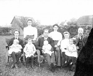 Lyman Beard Family in Roff, OK 1906